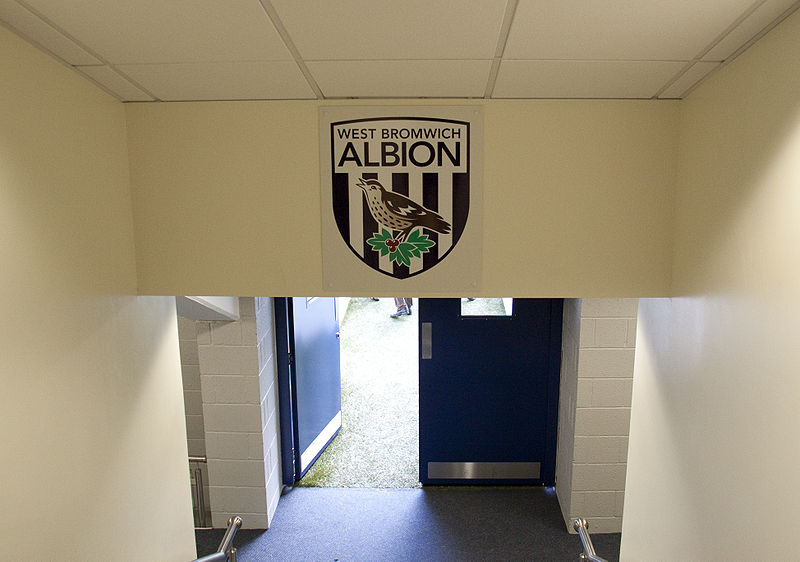 800px-Hawthorns_players_door_onto_pitch